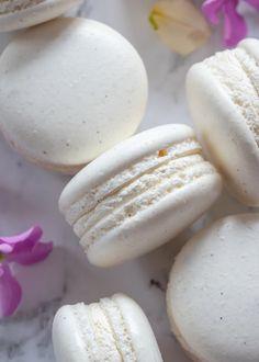 Curd Recipe, Macaron Recipe, Icing Recipe, Macaron Flavors, Macaron Wallpaper, Cookie Recipes, Dessert Recipes, Sweet Desserts, French Macaroon Recipes