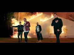 chino y nacho Daddy Yankee, Despacito Lyrics, Hollywood Music, Types Of Music, Pharrell Williams, Nachos, My Music, Shakira, Music Videos