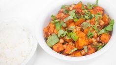 Herlig indisk rett som smaker godt med ris til, og eventuelt naan. Vegetable Salad, Vegetable Recipes, Vegetarian Dinners, Vegetarian Recipes, Healthy Dinners, Sweet Potato Curry, Naan, Garam Masala, Different Recipes