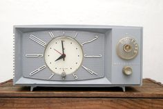 1950s Westinghouse Clock on etsy. Must get this for guest bedroom.