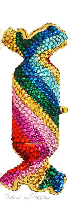 colors.quenalbertini: Pillbox, Judith Leiber Couture | Regilla