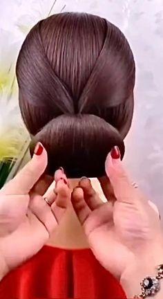 Braided Hairstyles Updo, Updos, Hand Makeup, Beautiful Gif, Hair Videos, Braids, Hair Cuts, Make Up, Hair Accessories