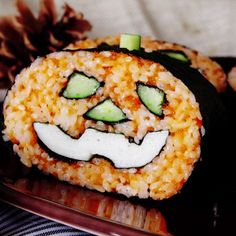Sushi You can't help grinning when you take a bite of this special snack, perfect for Halloween parties.You can't help grinning when you take a bite of this special snack, perfect for Halloween parties. Sushi Recipes, Asian Recipes, Beef Recipes, Mexican Food Recipes, Appetizer Recipes, Cooking Recipes, Cooking Videos, Cute Food, Good Food
