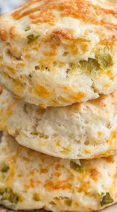 Lower Excess Fat Rooster Recipes That Basically Prime Green Chili Cheddar Biscuits Queso Cheddar, Cheddar Biscuits, Cheddar Cheese, Green Chili Recipes, Mexican Food Recipes, Green Chili Cornbread Recipe, Green Bread Recipe, Green Chili Casserole, Haitian Recipes