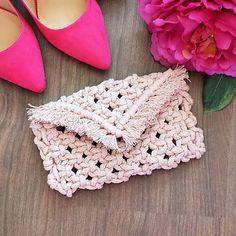 Crochet Hats, Bags, Fashion, Knitting Hats, Handbags, Moda, Fashion Styles, Fashion Illustrations, Bag