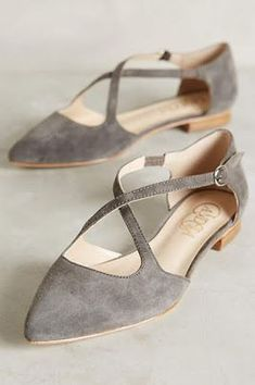 Love the color and pointy flats #anthrofave