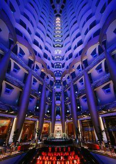 El hotel Burj Al Arab en Dubai es considerado el mejor del mundo
