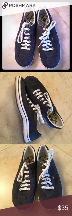 Keds sneakers These Keds are in excellent condition. Gently used. They are very comfortable and really cute. I've decided to clean out my closet and sell things I haven't worn in a year. keds Shoes Sneakers