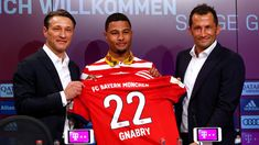 Kovac bei Bayern vorgestellt - Aber alle reden über das Gnabry-Outfit Serge Gnabry, Time In Germany, Player One, Old Signs, 22 Years Old, Trainer, One Team, Sport, Comebacks