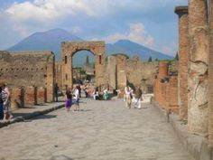 Lapislazzuli Blu: Da #Pompei a #Brera# torna #domenica #gratis  Il #...