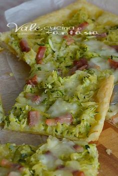 Pastry pizza with zucchini and bacon potatoes - Pizza di sfoglia con patate zucchine e pancetta