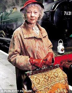 Geraldine McEwan as Miss Jane Marple. Agatha Christie rocks.