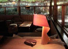 Lamparas de Sobremesa de Diseño en madera AIR. Decoracion Beltran, tu tienda online en lámparas de madera.