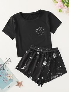 Cute Lazy Outfits, Sporty Outfits, Mode Outfits, Trendy Outfits, Fashion Tv, Teen Fashion Outfits, Girl Outfits, Korean Outfit Street Styles, Cute Sleepwear