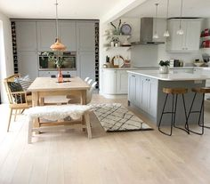150 affordable kitchen dining room design ideas -page 35 > Homemytri. Kitchen Family Rooms, Living Room Kitchen, Home Decor Kitchen, Kitchen Interior, Home Kitchens, Kitchen Sofa, Open Plan Kitchen Dining Living, Open Plan Kitchen Diner, Small Dining
