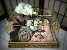 Ideas vintage wedding decorations diy boxes for 2019 Wedding Gift Wrapping, Wedding Gift Boxes, Wedding Keepsakes, Wedding Gifts, Desi Wedding Decor, Wedding Reception Decorations, Floral Wedding, Engagement Gift Baskets, Wedding Hamper