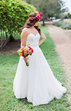 Don't like this particular dress,bored hair style.or even the pose. but I like the concept of having a neon color scheme! Wedding Bride, Bride Groom, Wedding Blog, Diy Wedding, Wedding Day, Wedding Dresses, Colour Pop, Color, Flowy Gown
