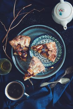 Food Photography: Peach Galette // Dark Photography, Artificial Lighting, Overhead Shot, Vintage Styling, Crumpled Tablecloth, Biscuits and Tea, Cake Slices, Cake, Fruit, Tart