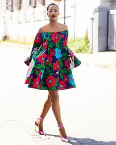 African chic dress style Source by autourdelafrance Latest African Fashion Dresses, African Dresses For Women, African Attire, African Wear, African Style, African Women, African Print Clothing, African Print Dresses, African Print Fashion