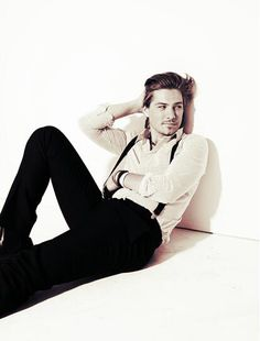 Taylor Hanson. I had to create an entirely new board for this picture. Let's just take a moment and enjoy. Yesss. Please. #mynumber1