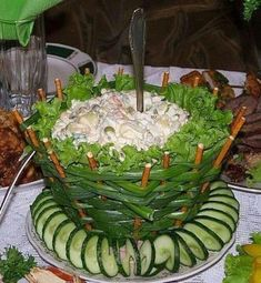 Green oinon basket salad Food Styling, Fruit And Vegetable Carving, Veggie Tray,… Green oinon basket salad Food Styling, Fruit And … Fruit And Vegetable Carving, Veggie Tray, Vegetable Salad, Food Design, Cute Food, Yummy Food, Creative Food Art, Food Carving, Food Garnishes