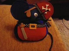ratoncito perez pirata  fieltro y goma eva artesanal