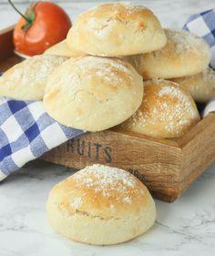 Lindas Bakskola tekakor och bröd i långpanna