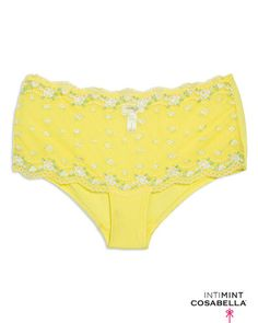 love this yellow underwear!  - Anky <3