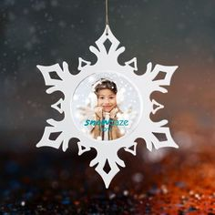 Make these promotional snowflakes ideal ornaments over Christmas tree, where your brand logo will be displayed all winter long ❄️❄️❄️ Unique Christmas Gifts, Christmas Tree, Christmas Ornaments, Holiday Decor, Are You The One, Snowflakes, Display, Logo, Decoration
