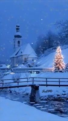 Christmas Tree Gif, Christmas Scenery, Merry Christmas Images, Winter Scenery, Christmas Music, Christmas Greetings, Winter Christmas, Vintage Christmas, Beautiful Christmas Pictures