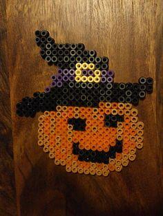 Melty Bead Patterns, Pearler Bead Patterns, Seed Bead Patterns, Perler Patterns, Beading Patterns, Perler Bead Templates, Diy Perler Beads, Perler Bead Art, Hama Beads Halloween