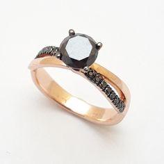 Δαχτυλίδι μονόπετρο ροζ χρυσό Κ18 με 17 μαύρα διαμάντια 1 c643d56581d