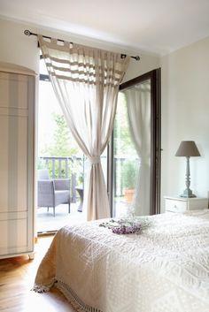 La maison des lavandes   PLANETE DECO a homes world Dream Bedroom, Spa, Bedroom Ideas, Home Decor, Dreams, Blinds, Lavender, Home Decoration, Decoration Home