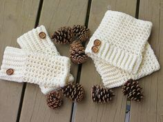 Brooklyn Fingerless Mitts/Wrist Warmers and boot cuffs, Free Crochet Pattern