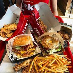 Dieting at @kfc and @mcdonaldsnl 😁 📽 Youtube @ ishouldstartlifting 👻 Snapchat @ guwilliam 👥 Find me on Facebook #️⃣ #ishouldstartliftingfood #yget #hungrytwins #lickyourdessert #foodpornshare #eater #ogluttoness #donutscookiesandcream #devourpower #eatfamous #thenaughtyfork #foodcomaking #eatthis #officialfoodgroup #tryitordiet #nobsfood #teamchomp #foodbeast #eeeeeats #foooodieee #lovefood #lickyourphone #bestfoodworld #spoonfeed #eastcoastfeastcoast #buzzfeast #grubzone #ahungrylife Kfc, Extreme Food, Tumblr Food, Kentucky Fried, Eat This, Food Snapchat, My Best Recipe, Food Platters, Group Meals