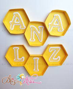 Abelhinha Bee Crafts, Diy And Crafts, First Birthday Parties, First Birthdays, Bee Party, Bee Theme, Party Themes, Decoration, Ideas Party