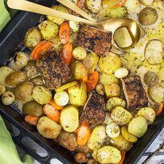 Rosmarinkryddad fläskytterfilé i ugn med potatis Cooking Recipes, Healthy Recipes, Pot Roast, Lchf, Paella, Street Food, Great Recipes, Sausage, Recipies