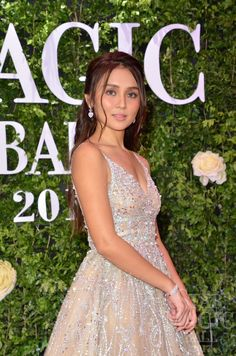Kathryn Bernardo in Patricia Santos Kathryn bernardo Js prom gown style, Kathryn bernardo Kathryn Bernardo Hairstyle, Kathryn Bernardo Outfits, Kathryn Bernardo Debut, Js Prom Gown Style, Star Magic Ball, Debut Gowns, Hot Hair Styles, Prom Looks, Ball Gowns