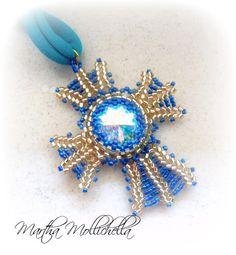 Martha Mollichella: Pendente Croce Normanna Oro e Blu