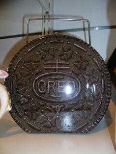 Vintage Retro Oreo Tin Lunch Box...