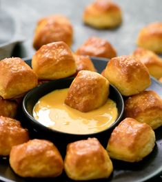 Low Carb Keto Gluten Free Soft Pretzels made with fathead dough. These are easy,… Low Carb Keto Gluten Free Soft Pretzels made with fathead dough. These are easy, yeast free soft pretzel bites that are perfect for a snack or game day. Low Carb High Fat, Low Carb Keto, Low Carb Recipes, Healthy Recipes, Bread Recipes, Diet Recipes, Tuna Recipes, Keto Fat, Keto Snacks