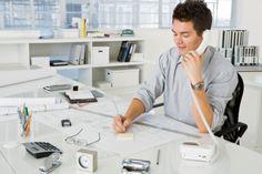 Los 8 equipos de oficina más sucios ¡El escritorio representa una de las superficies más propicias para contraer una infección!