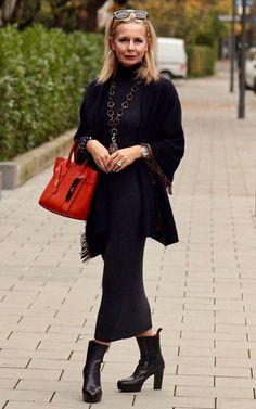 fashion over 50 women winter hair 80s Womens Fashion, Iranian Women Fashion, Short Women Fashion, Fashion Over 50, Boho Fashion, Winter Fashion, Fashion Outfits, Fashion Trends, Fashion Top
