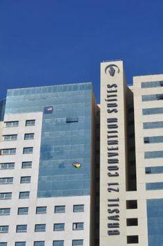 View of hotel from park – Foto de Meliá Brasil 21, Brasília ...
