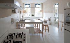 freestanding kitchen set large with three wooden racks Mint Furniture, Kitchen Furniture, Mint Kitchen, Kitchen Sets, Interior Modern, Hotel Apartment, Apartments, Freestanding Kitchen, Wooden Rack