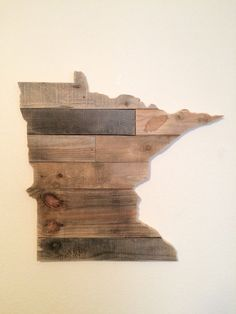 Should try to make this... Reclaimed Wood Minnesota State Sign by HarborAndHome on Etsy