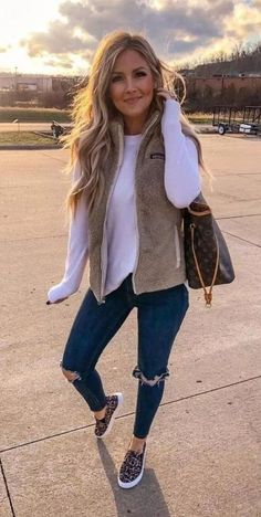 Casual fall outfits - Fashion I love - Wintermode Casual Winter Outfits, Cute Casual Outfits, Winter Fashion Outfits, Autumn Casual, Vest Outfits For Women, Spring Fashion Casual, Autumn Outfits, Modern Outfits, Casual Jeans