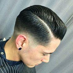 Barber Haircuts, Cool Haircuts, Hairstyles Haircuts, Haircuts For Men, Modern Haircuts, Medium Hairstyles, Wedding Hairstyles, Pompadour Fade Haircut, Taper Fade Haircut