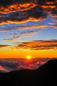 Sunrise on the summit of Haleakala, Maui