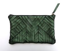 Love this!  Pochette zip/ motif ethnique cuir vert by FORYboutique on Etsy
